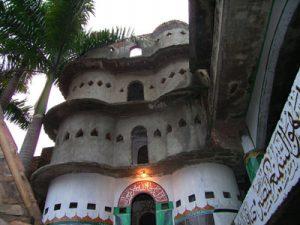 Masjid Pintu Seribu 300x225 10 Tempat Wisata di Tangerang dan Sekitarnya
