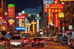 Chinatown Yaowarat Road 300x200 15 Tempat Wisata di Bangkok yang Wajib Dikunjungi
