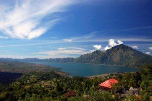 Danau Batur Kintamani 300x199 15 Tempat Wisata di Bali yang Wajib Dikunjungi