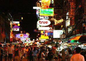Khao San Road 300x214 15 Tempat Wisata di Bangkok yang Wajib Dikunjungi