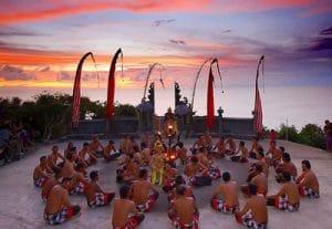 Tari Kecak Uluwatu 300x207 15 Tempat Wisata di Bali yang Wajib Dikunjungi