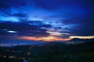 matahari terbenam Bukit Moko