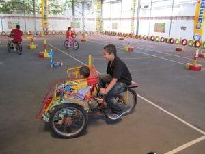 permainan becak dan sepeda Rumah Sosis