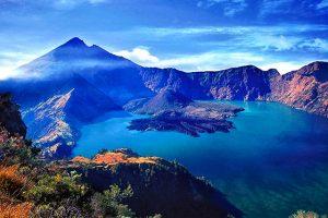 Danau Segara Anak 300x200 10 Tempat Wisata di Lombok yang Wajib Dikunjungi