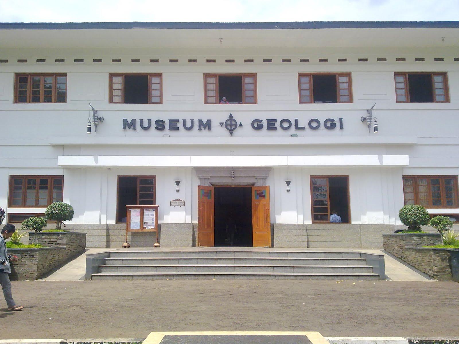 Wisata Bandung - Museum Geologi Bandung