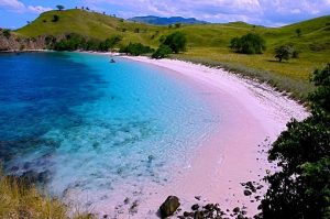 Pink Beach Pulau Komodo