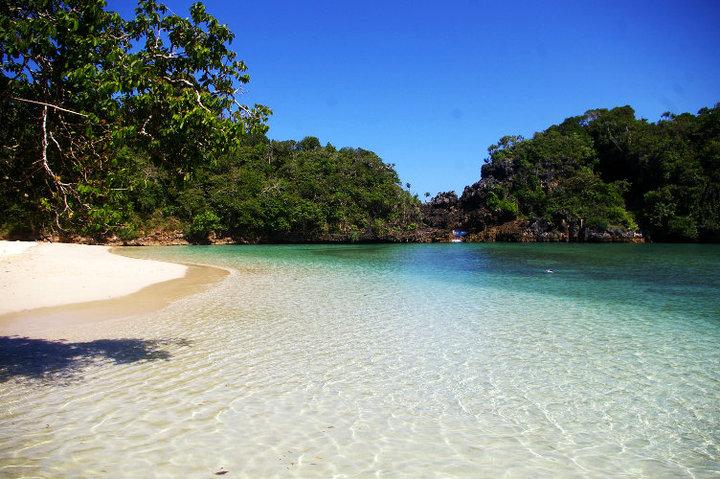 Hasil gambar untuk pulau sempu
