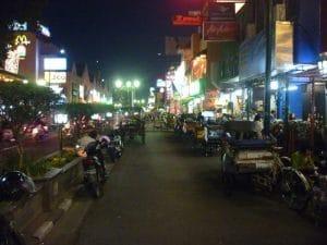 Jalan Malioboro malam hari