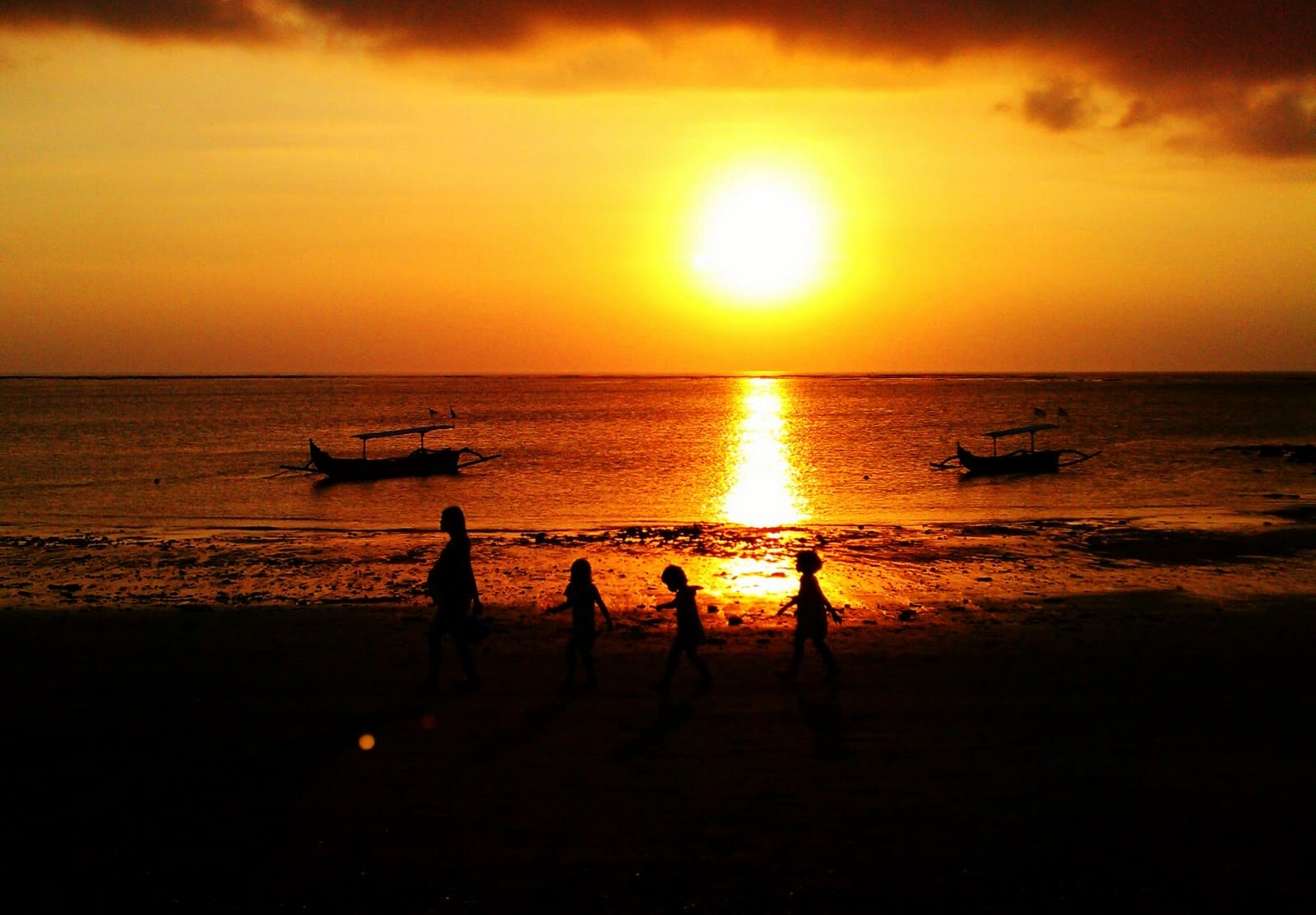7 Tempat Wisata Pantai Di Bali Yang Wajib Dikunjungi
