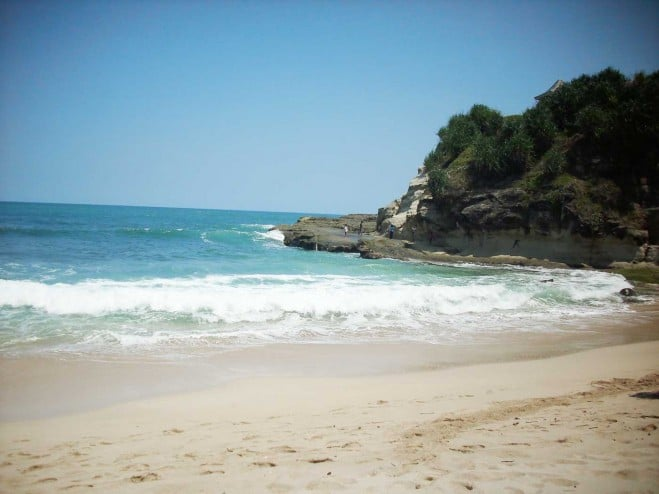 http://anekatempatwisata.com/wp-content/uploads/2015/06/Pantai-Teleng-Ria.jpg