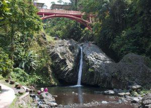 wisata air terjun Baturaden