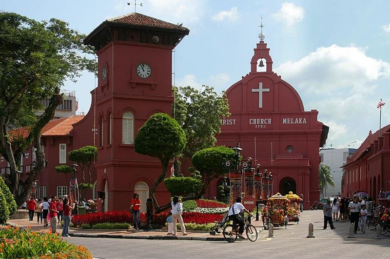 10 Tempat Wisata Di Malaysia Yang Wajib Dikunjungi
