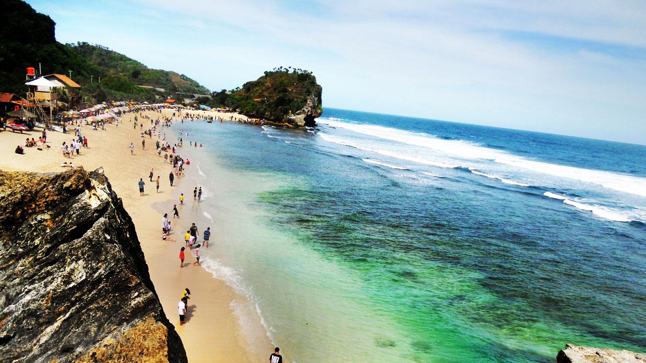 10 Pantai di Gunungkidul, Jogja yang Wajib Dikunjungi