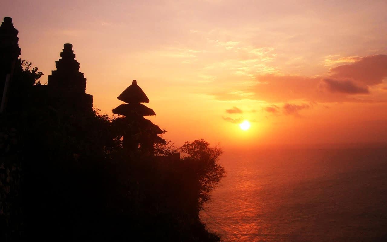 Tempat Wisata di Bali - Pura Uluwatu