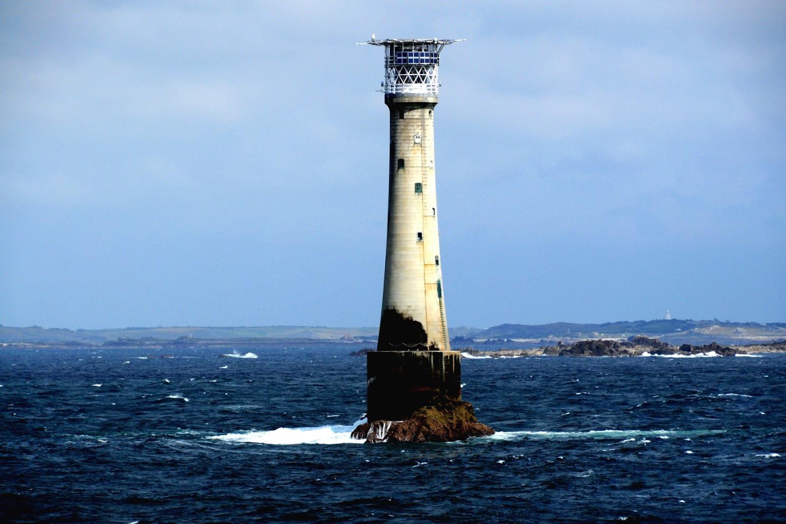 Bishop Rock pulau terkecil di dunia