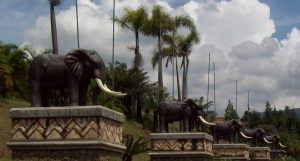 patung Kampung Gajah