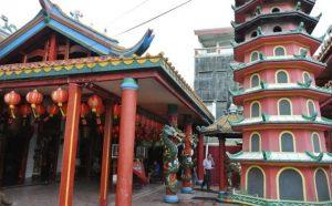 Tempat Wisata Bekasi - Klenteng Hok Lay Kiong