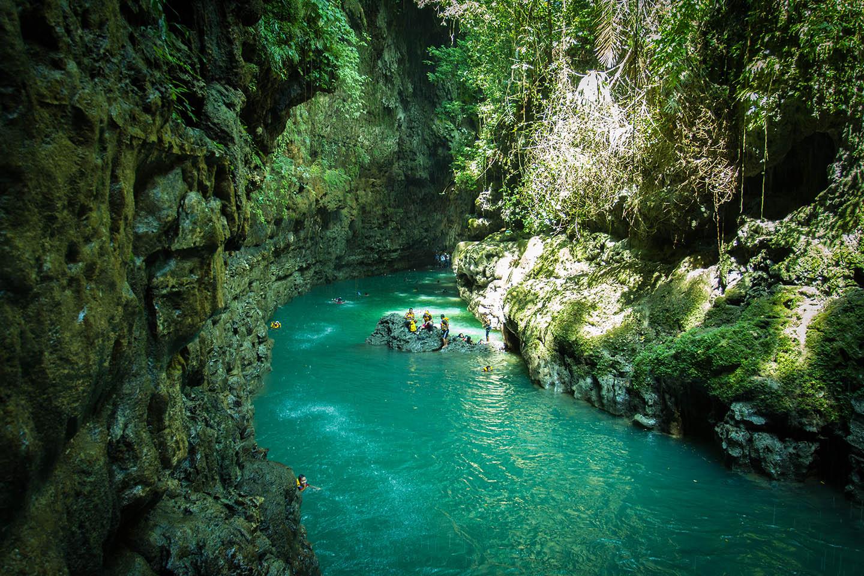 Green Canyon - Primadona Wisata Jawa Barat yang Luar Biasa Indah