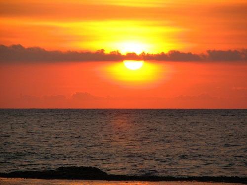 Matahari terbenam di Pantai Anyer