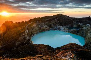 Tempat Wisata Alam di Indonesia - Danau Kelimutu (Flores)