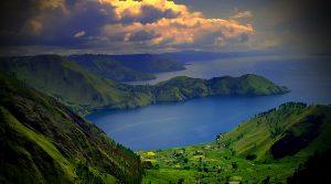 Tempat Wisata Alam di Indonesia - Danau Toba (Sumatera Utara)