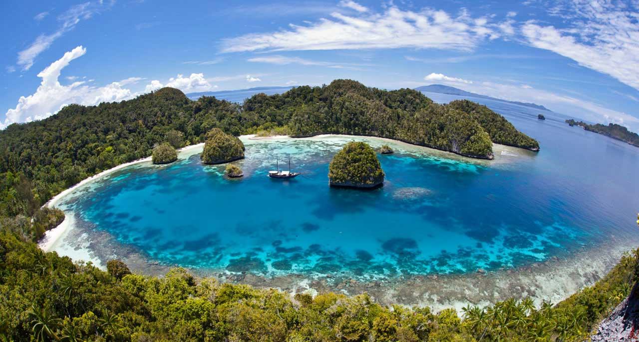 6 Tempat Wisata Alam di Indonesia yang Wajib Dikunjungi