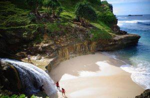 Pantai Banyu Tibo, Pacitan