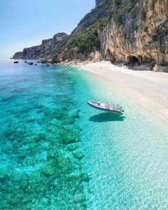 Pantai Terindah di Indonesia - Pantai Wari, Biak, Papua (capture_out_)