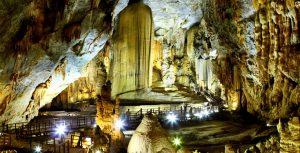 Taman Nasional Phong Nha-Ke Bang tempat wisata di vietnam
