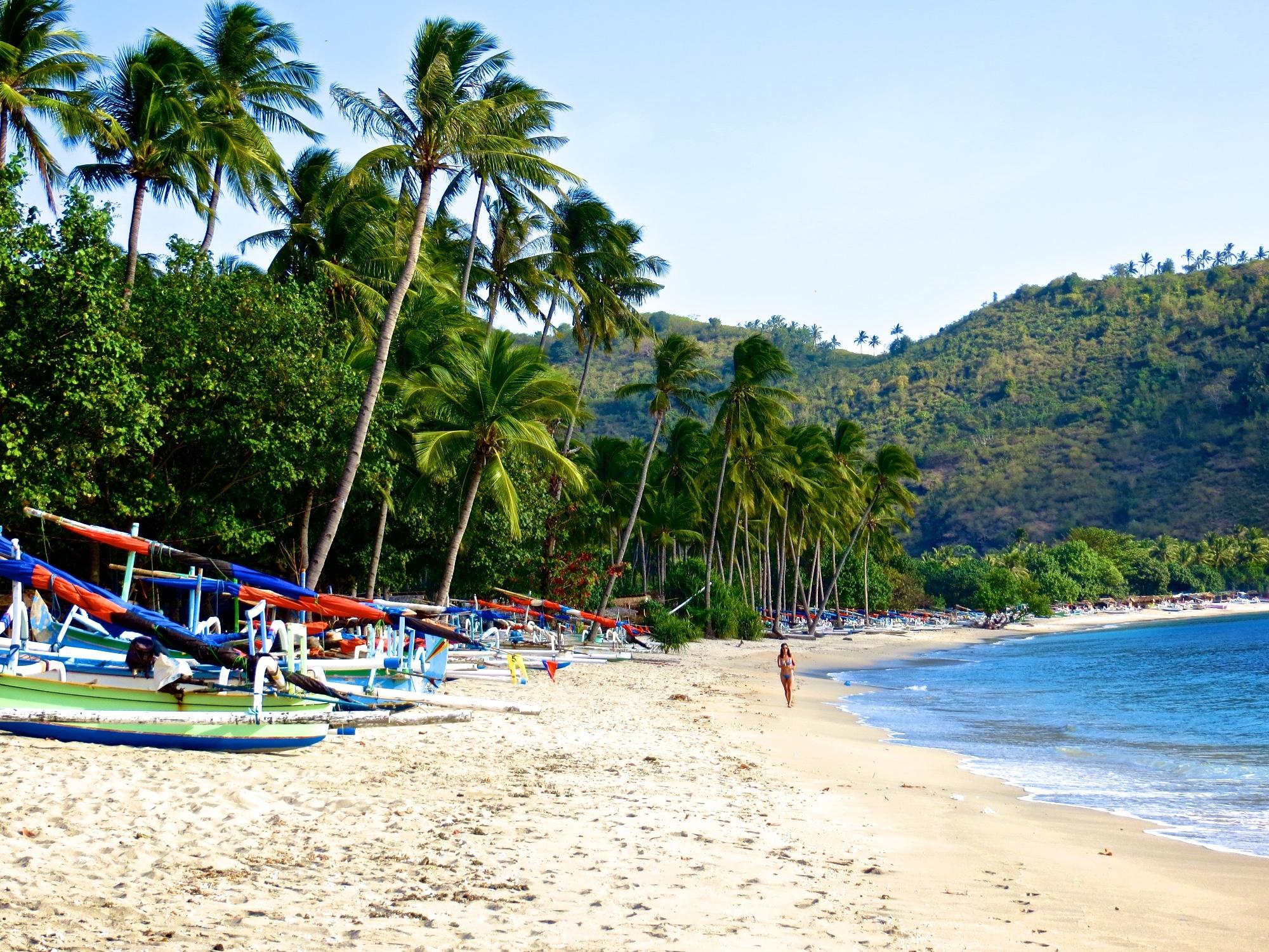 Hasil gambar untuk gambar pantai lombok