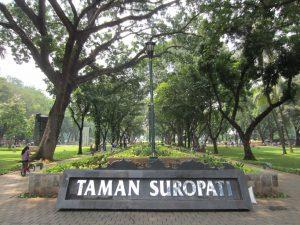 Taman Suropati. tempat wisata Jakarta