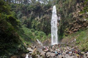 Tempat Wisata di Jawa Tengah - Grojogan Sewu Tawangmangu - Karanganyar