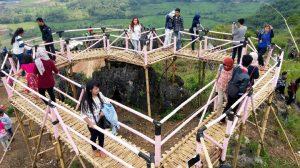 Tempat Wisata di Sukabumi - Bukit Karang Para