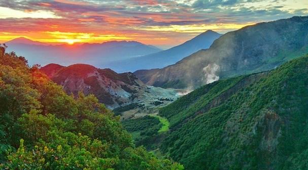 Wisata Alam Garut - Gunung Papandayan (besttravelin)