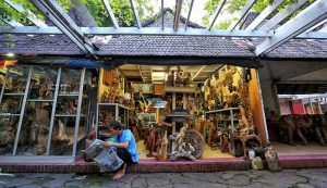 Pasar Seni Ancol . Tempat wisata di jakarta