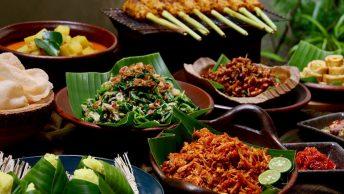 17+ Makanan Khas Bali Paling Recommended, Dijamin Nyata Lezatnya!