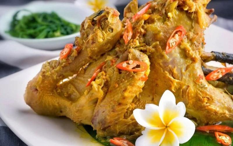 Ayam Betutu makanan khas Bali