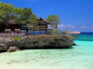 Tepi Pantai Tanjung Bira