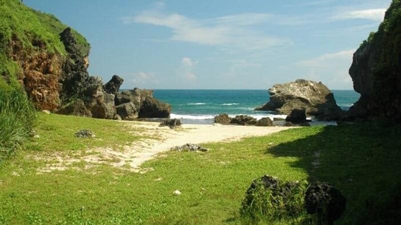 Wisata alam Pantai Wohkudu
