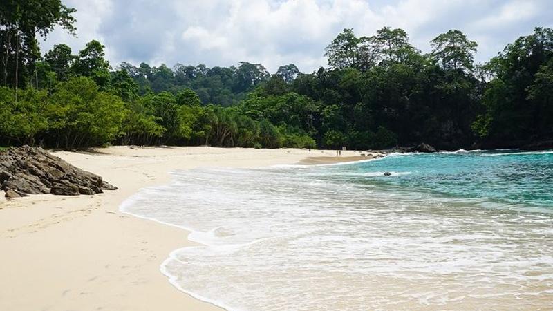 Pantai Sambolo Anyer- Pantai di anyer