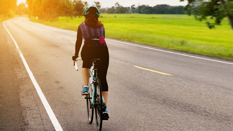 Bersepeda di alam bebas Dusun Bambu Lembang