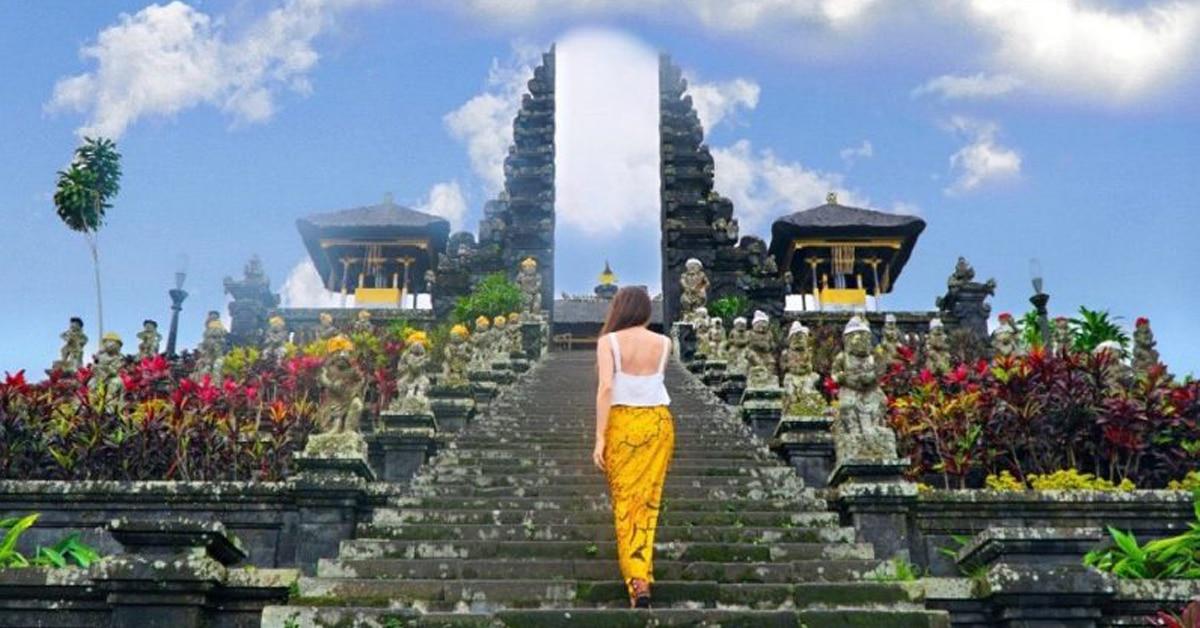 Pura Besakih, Wisata Pura di Bali yang Tak Pernah Sepi Kunjungan