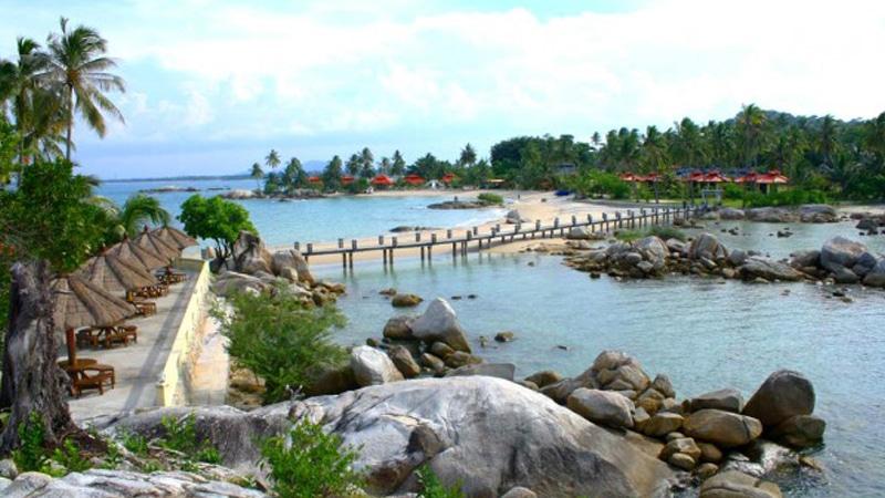 Pantai Tikuswisata Bangka