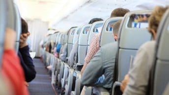 Tips Naik Pesawat Pertama Kali Buat Kamu yang Belum Pernah Sama Sekali
