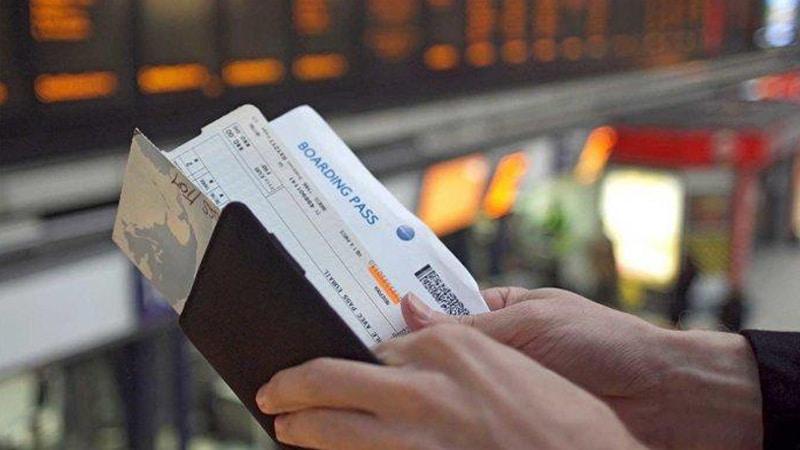 Siapkan KTP dan boarding pass ketika sudah waktunya masuk pesawat