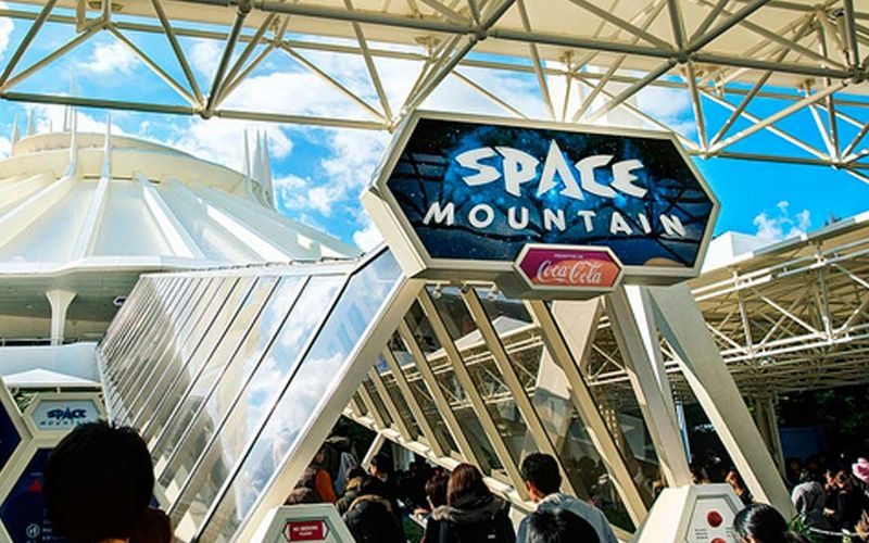 Space Mountain - Tokyo Disneyland