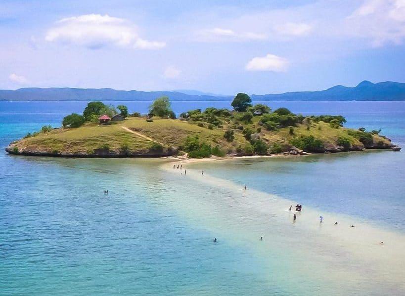 Bima Lambu - Pantai Lariti (theworldnews)