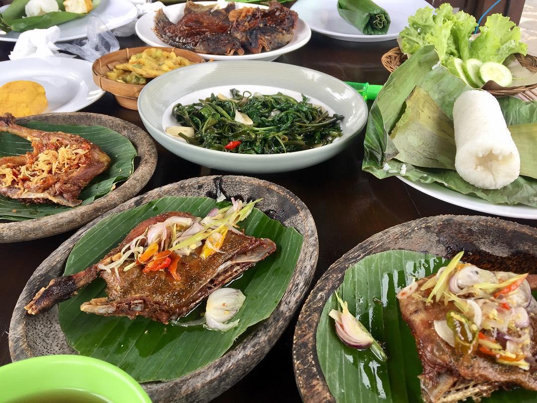Itinerary Bandung Hari Ketiga - RM. Bebek Unti (vanescecilia)