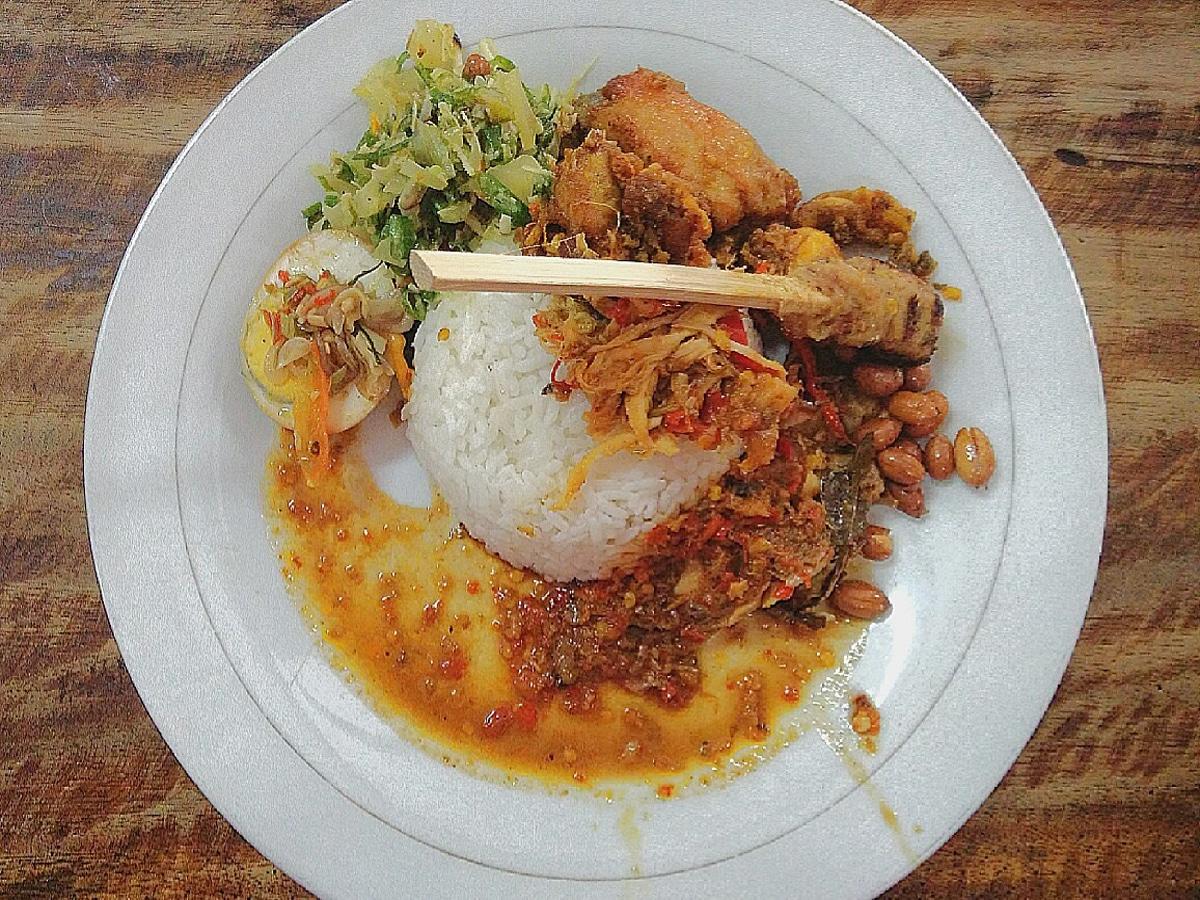 Nasi Ayam Ibu Oki (days2explore)