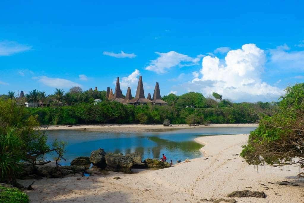 Pantai Ratenggaro (localguidesconnect)